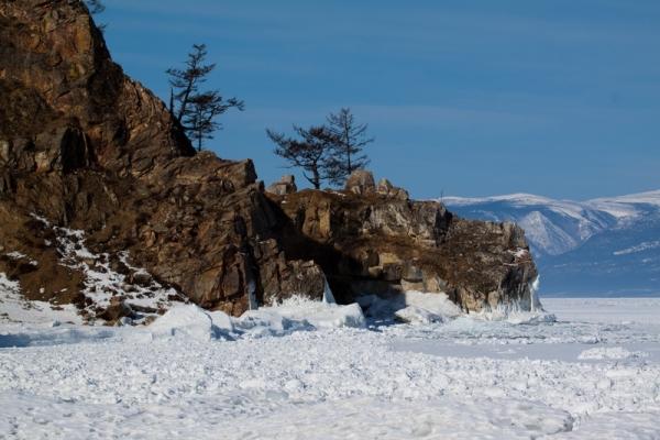 Озеро Байкал зимой Фото